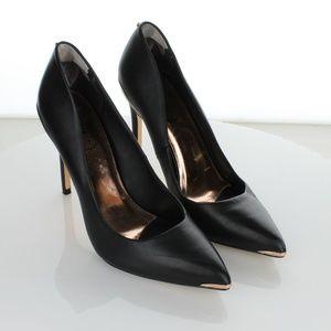Black Izibeli Leather Pointy Toe 38 Pumps 7